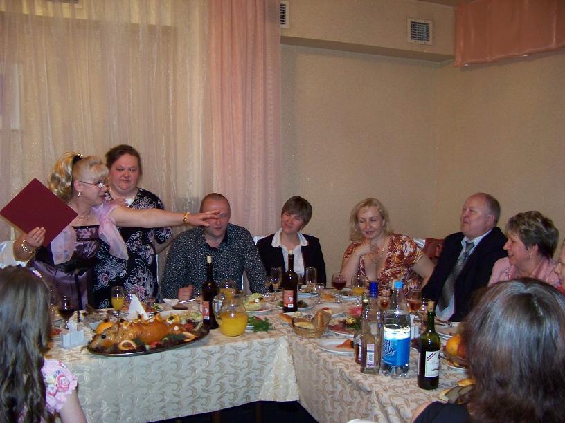 Столом за на пенсионеров знакомство конкурсы для